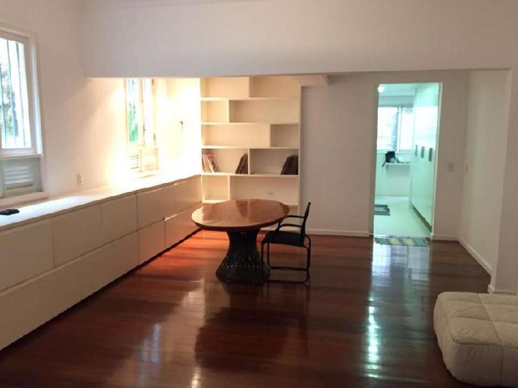 Apartamento com 135 m2 com 2 Suites em Rua Sem Saída na