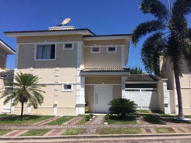 Casa de Condomínio com 3 Quartos à Venda, 180 m² por R$