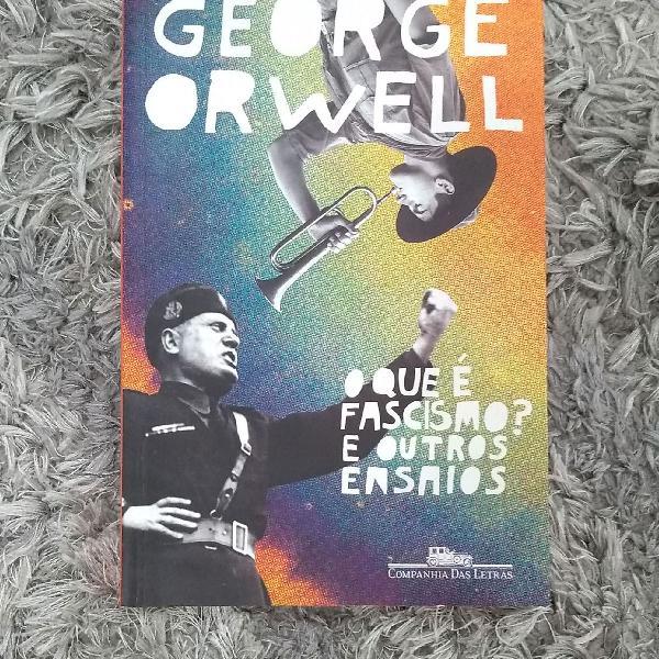 Livro O que é fascismo? e outros ensaios