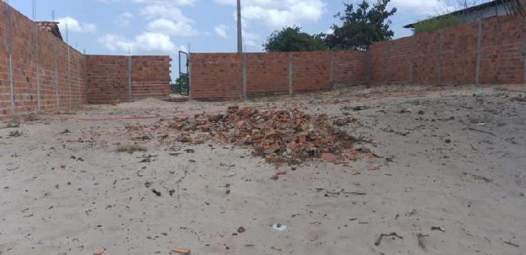 Terreno com Fundo para o Rio Preguiça.