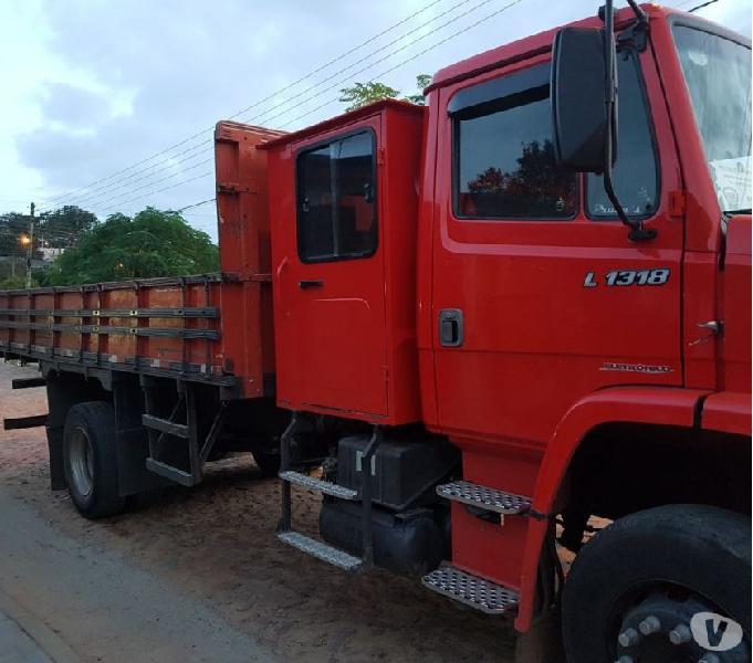 Caminhão 1318 único dono, 2008