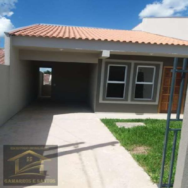 Casa com 3 quartos e garagem coberta em Quatro Barras
