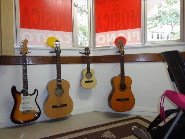Professora de violão e guitarra rj