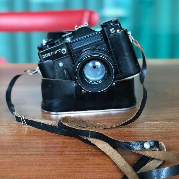 câmera analógica vintage chique e linda