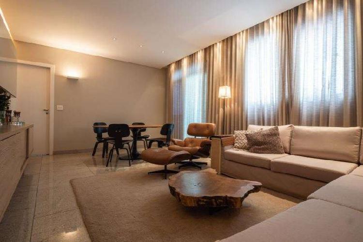 Apartamento impecável, com 3 quartos no Buritis por