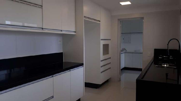 Apartamento para aluguel com 212m² com 3 suítes no Centro