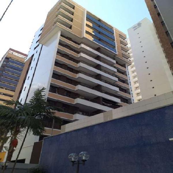 Apartamento para aluguel possui 103 metros quadrados com 3
