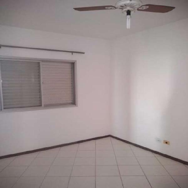 Apartamento para aluguel possui 39 metros quadrados com 1