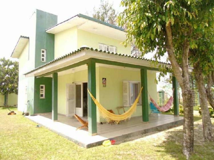 CASA 04 Dormitórios - Bairro Arco Iris