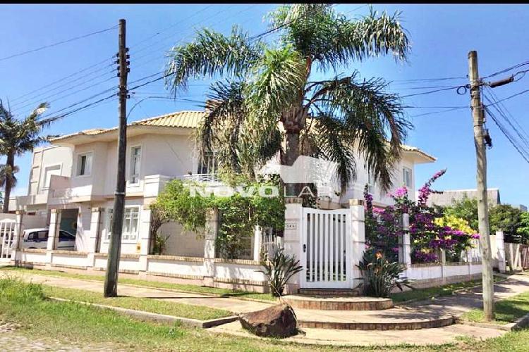 Casa de Alto Padrão em Torres próximo a Lagoa do Violão
