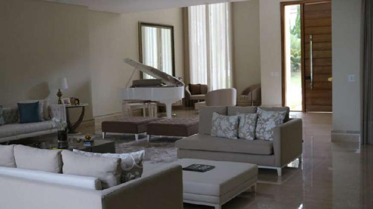 Linda casa para venda em Alphaville Totalmente mobiliada