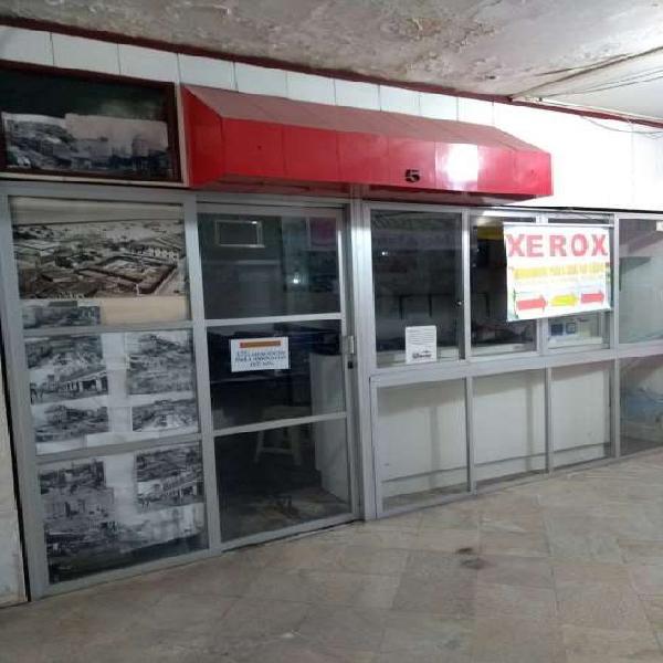 Loja no centro comercial com área privativa de 11,00 m² em
