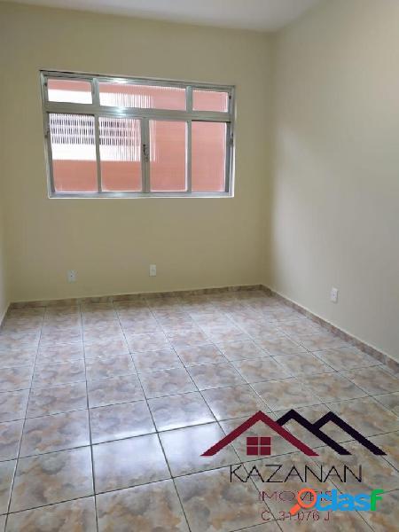 Apartamento 2 dormitórios, garagem coletiva, no Embaré.