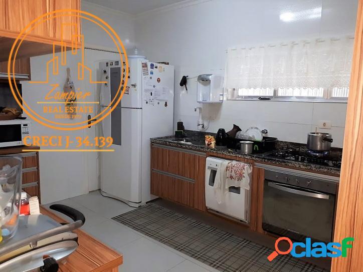 Apartamento 3 dormitórios no Gonzaga - Santos