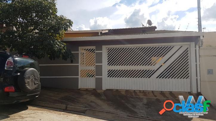 Linda Casa no Jardim Vista Alegre