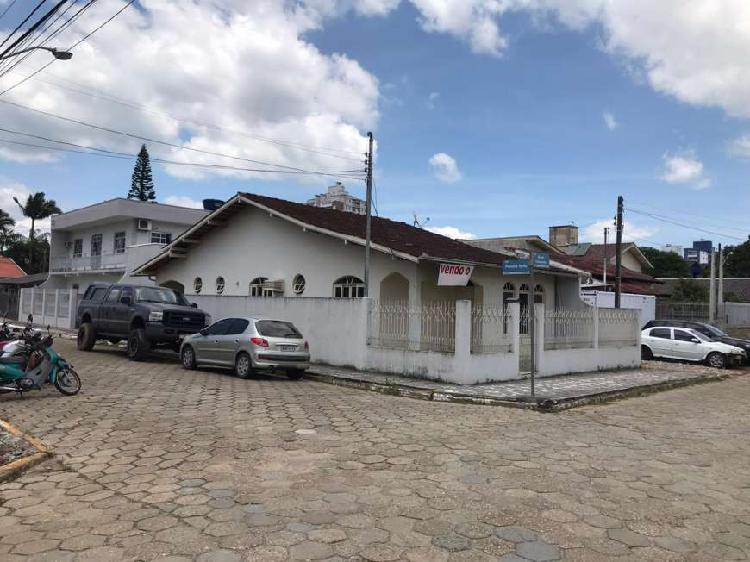 Casa para venda com 3 quartos no Centro de Itajaí/SC com