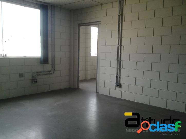 Aluga 1000 m2 em Barueri - SP.
