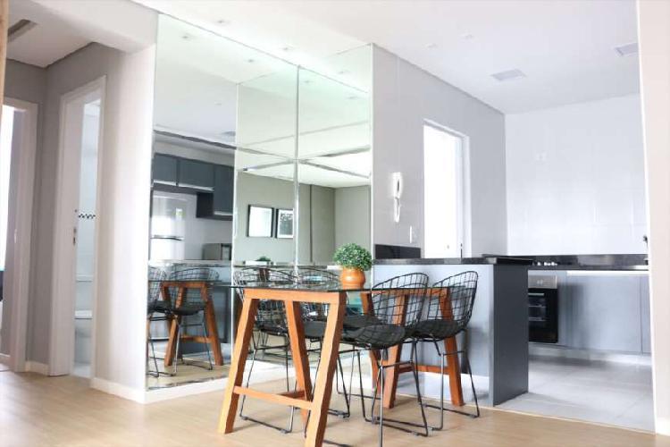 Apartamento com 02 quartos (01 suíte) e uma vaga de garagem