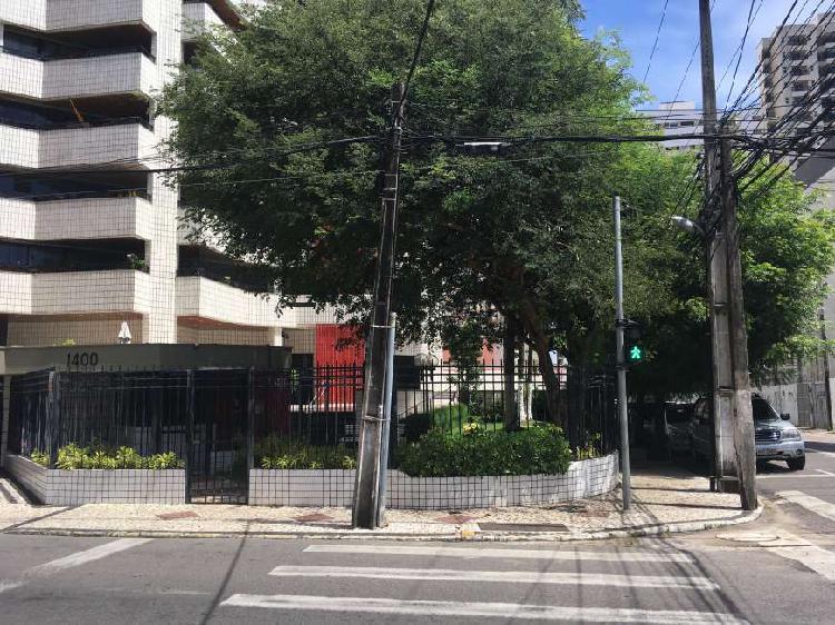Apartamento para venda tem 178 metros quadrados com 5