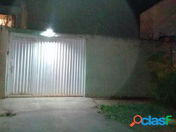 Casa em SÃO SEBASTIÃO - Centro (São Sebastião) por 150