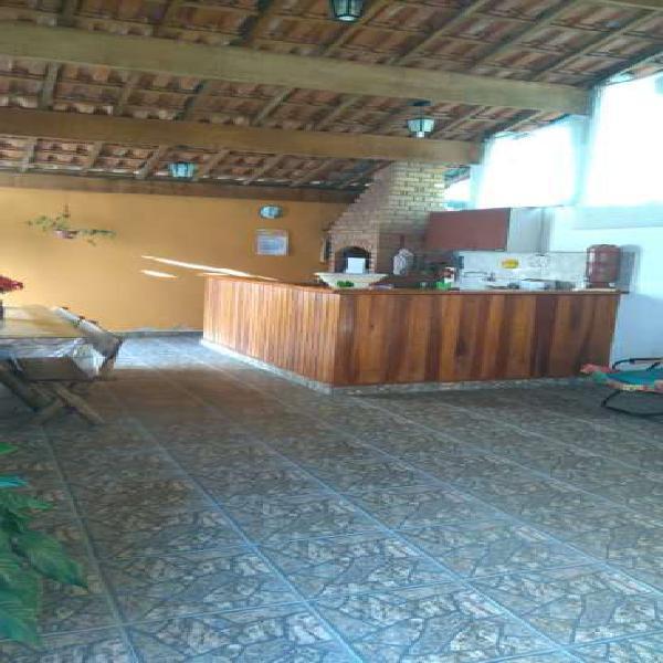 Casa térrea em Taubaté - 3 dormitórios - quintal - área