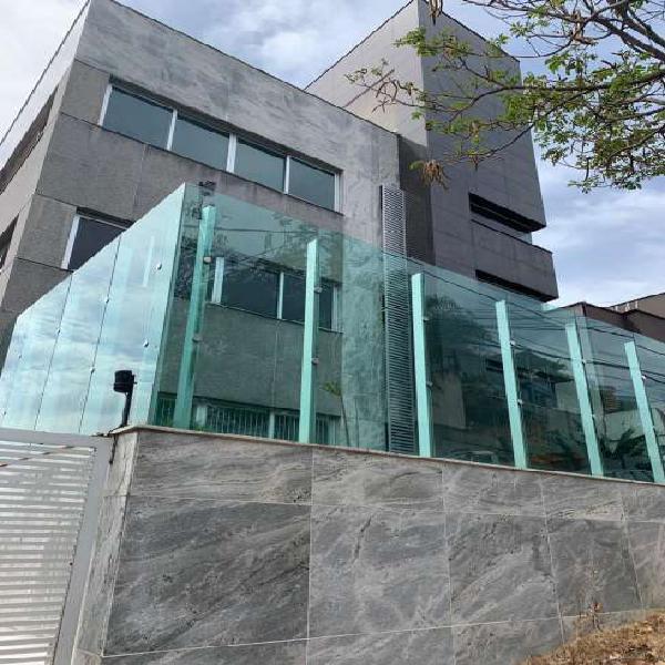 Prédio/Edificio inteiro para aluguel possui 450 metros
