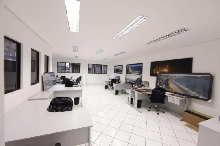 Prédio/Edificio inteiro para venda tem 244 metros quadrados