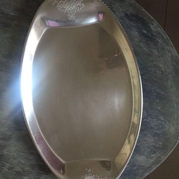 bandeja de aço inox usada.