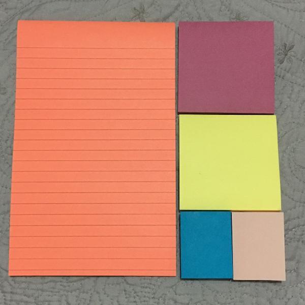 kit com 5 blocos de post it - tamanhos variados