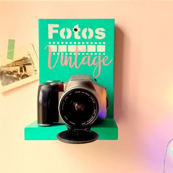 câmera antiga olympus para decoração com suporte.