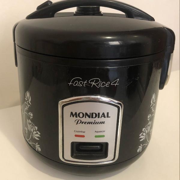 panela elétrica de arroz, preta, 1 litro, faz 4 xícaras de