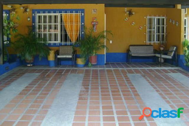 En Venta Casa En Valle de Oro. 220mtrs2 (53.000)