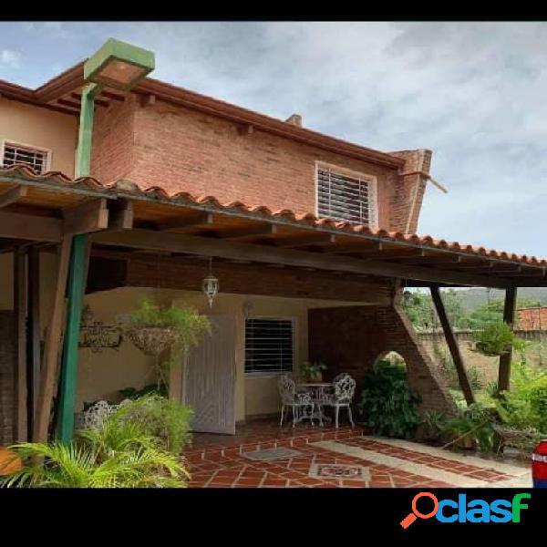 En Venta Town House Villa Jardin San Diego Amoblado de lujo