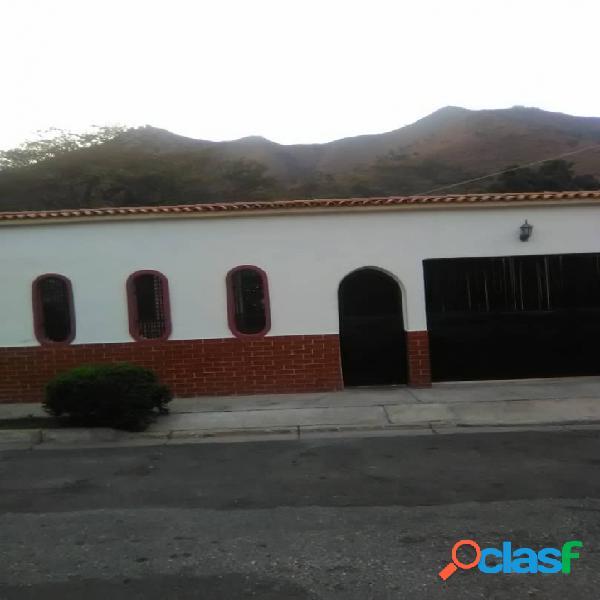 En venta Hermosa casa en San Diego, La Esmeralda 150M2
