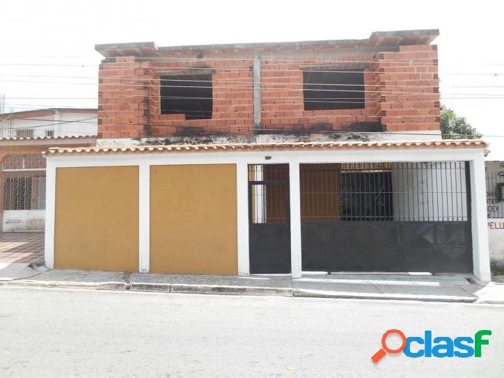 En venta amplia casa. Municipio Naguanagua. 150M2 (15750)