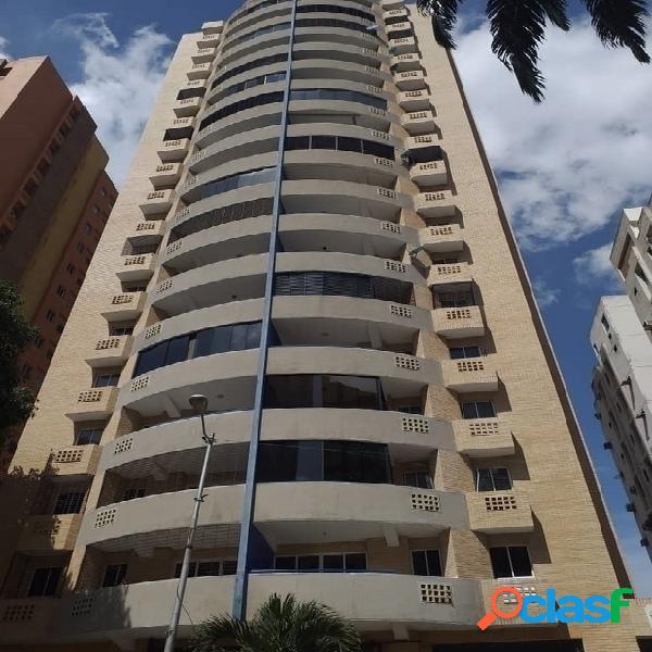 En venta apartamento a estrenar en Las Chimeneas de 100m2