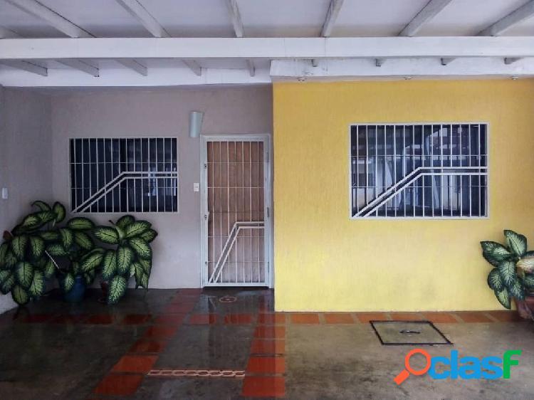 En venta casa en Lomas de La Hacienda de 90 m2