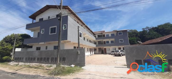 Vende se Apartamento de 02 Dormitórios No Norte da Ilha -