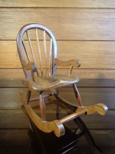 Antiga Miniatura Cadeira De Balanço