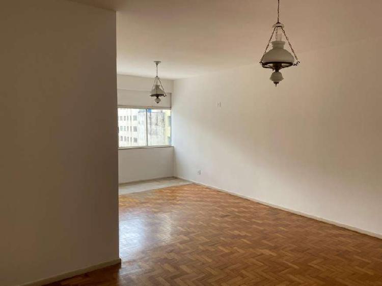Apartamento para aluguel com 145 metros quadrados com 3