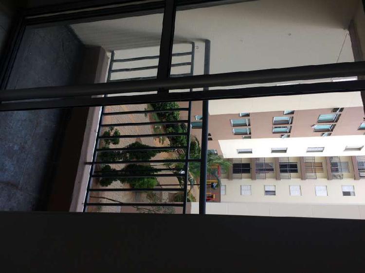 Apartamento para aluguel possui 50 metros quadrados com 2