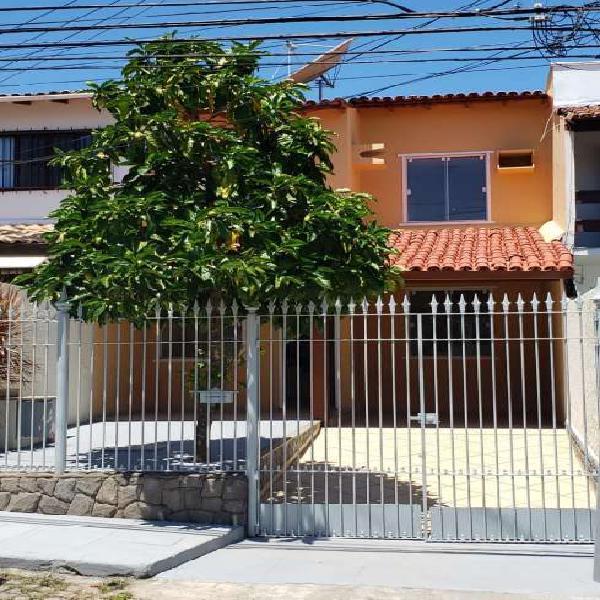 Casa com 4 quartos na Costa do Sol, perto da Petrobras