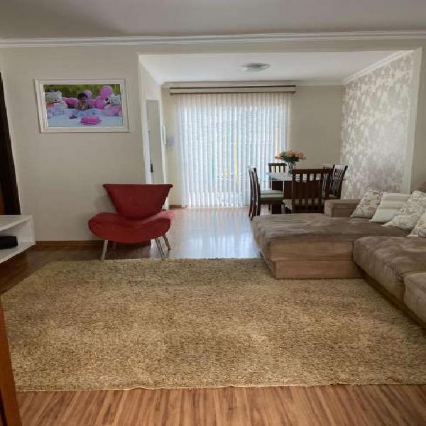 Casa para aluguel possui 70 metros quadrados com 2 quartos