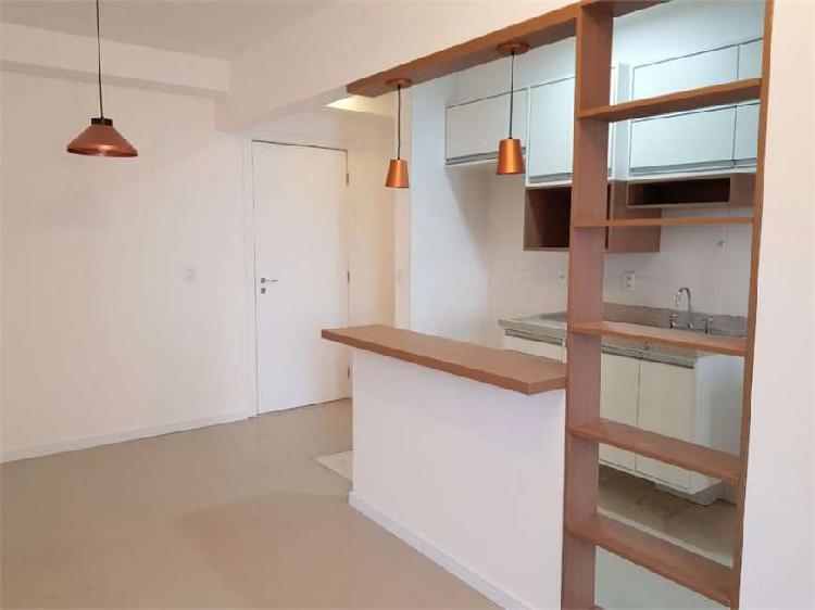 Lindo apartamento, totalmente reformado, muito bem