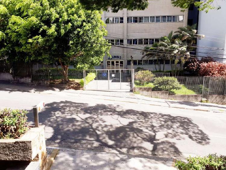 Aluga-se apartamento com 2 quartos na Rua Doutor Nilo
