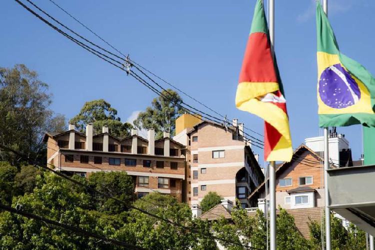 Apartamento p/venda a 400 metros da Rua Coberta, 1 dormit,