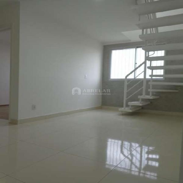 Cobertura para aluguel possui 104 metros quadrados com 2