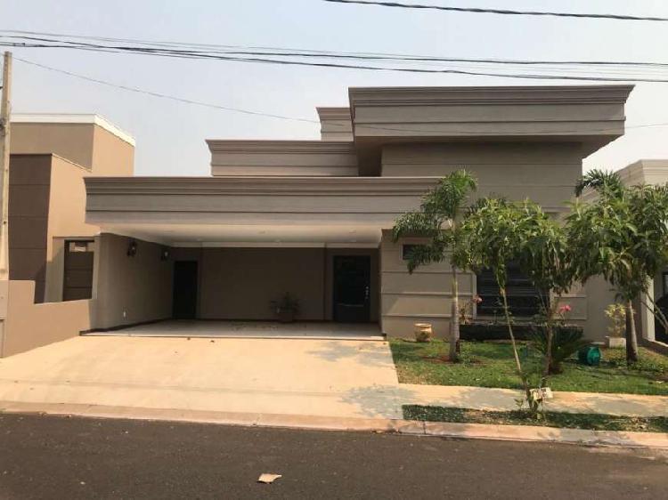 Casa de condomínio para venda tem 238 metros quadrados com