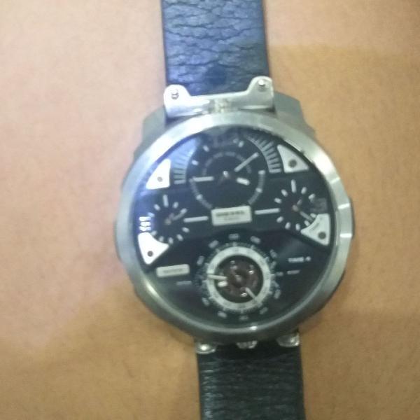 relógio diesel masculino com pulseira de couro
