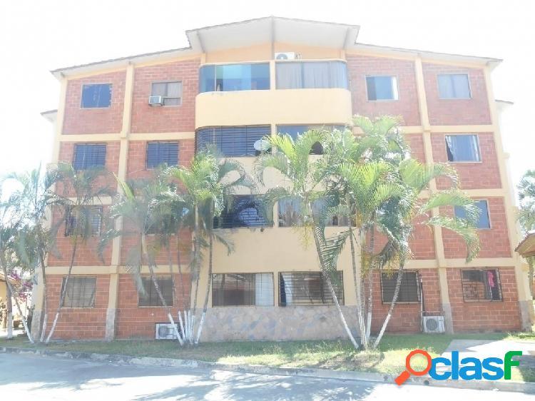 En Venta Apartamento en San Diego, 80 Mts2, (17.000)